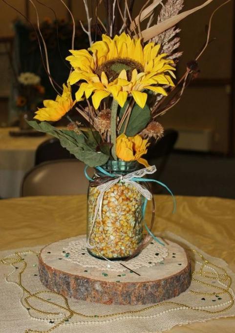 Idealne dekoracje na stół na imprezę na świeżym powietrzu